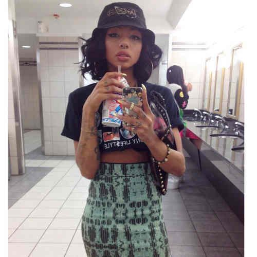 Girl Clutch Fashion Beautiful Dope Piercing Black Tattoos Skirt