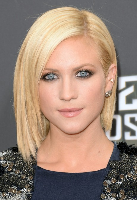 brittany snow short bob hairstyle