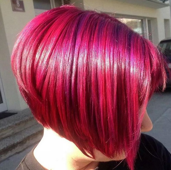 redhead short graduated bob hairstyle for women