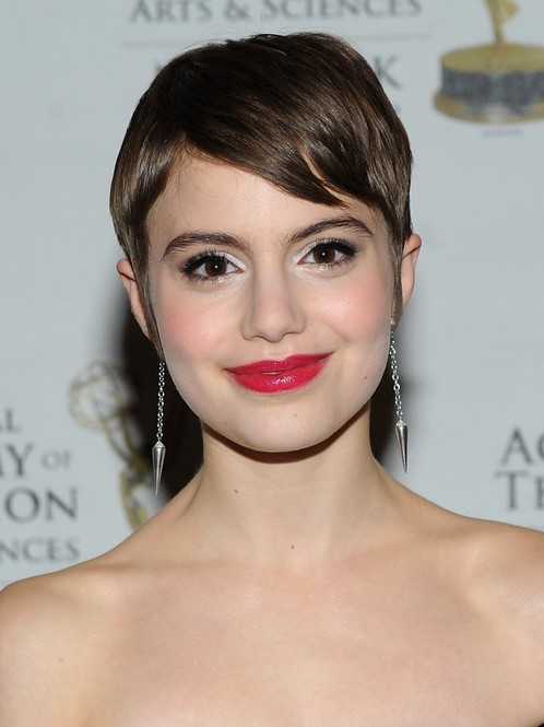 sami gayle short hairstyle with side bangs